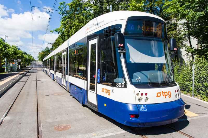 Trams TPG à la station Meyrin-Gravière